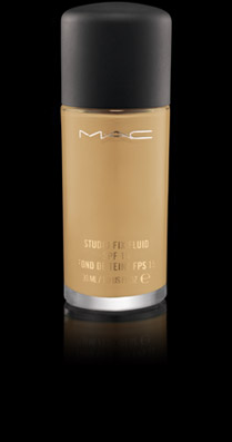 Base de Maquillaje Studio Fix Fluida MAC NC25