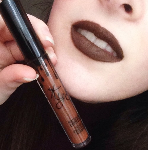 Kylie Jenner Labial Matte True Brown k